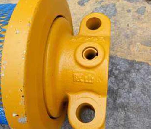 教你几招提高挖掘机支重轮的使用寿命的方法